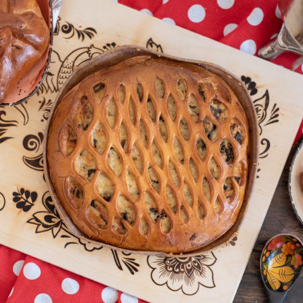 Круглый пирог с курицей и грибами